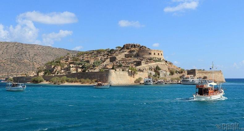 Грекийн Спиналонг арал