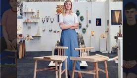 Феминист бүсгүйн бүтээсэн сандал эрчүүдийн дургүйцлийг төрүүлжээ