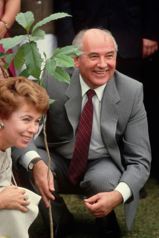 Михаил болон Раиса Горбачев нар