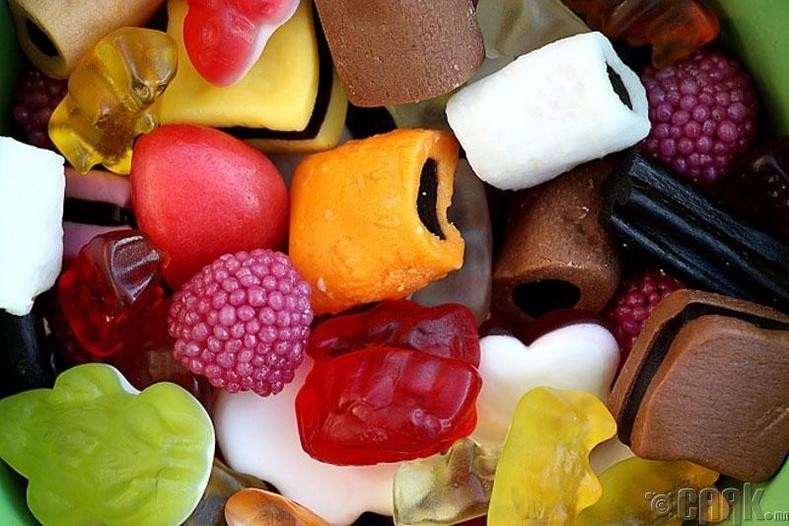 Резинэн чихрийн найрлагад машины өнгөлөгчтэй адил бодис байдаг