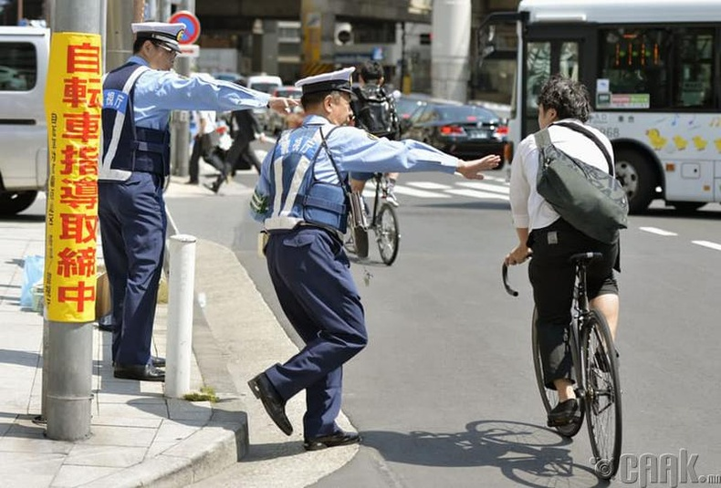 Замын цагдаа