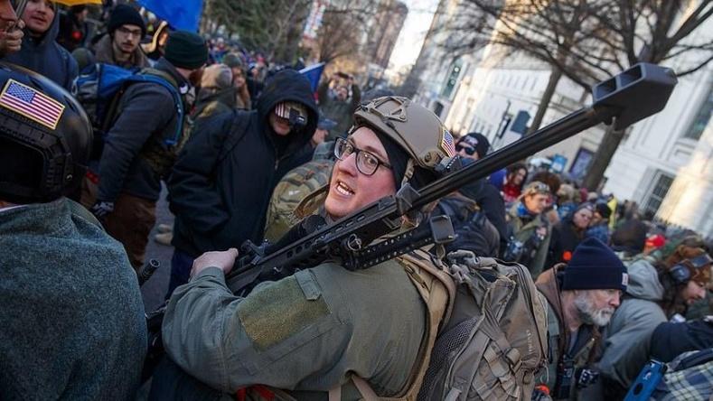 """Америкчууд буу эзэмших эрхийнхээ төлөө """"жинхэнэ Америк маягаар"""" тэмцжээ (50 фото)"""