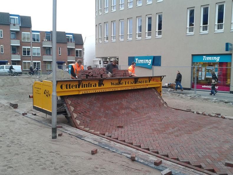 Нидерландад явган хүний замыг ингэж тавьдаг