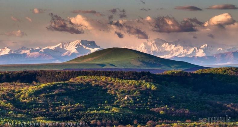 Кавказын нурууны өглөө