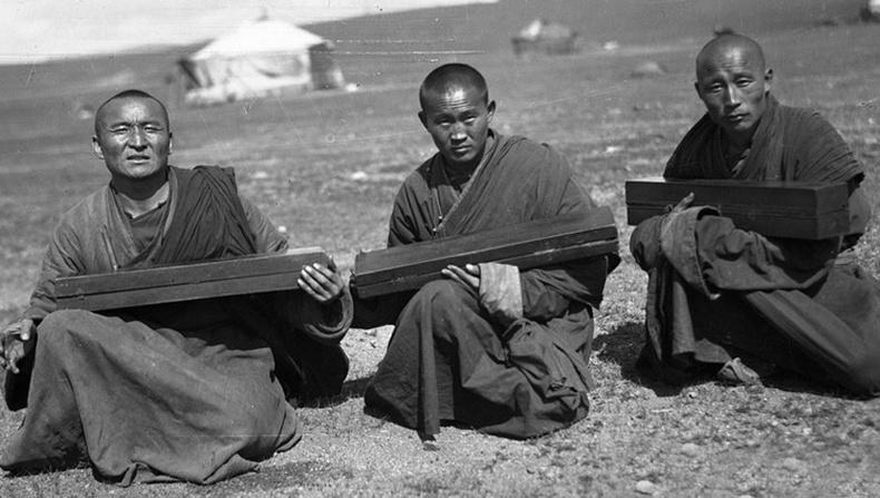 100 жилийн өмнөх Монгол орон