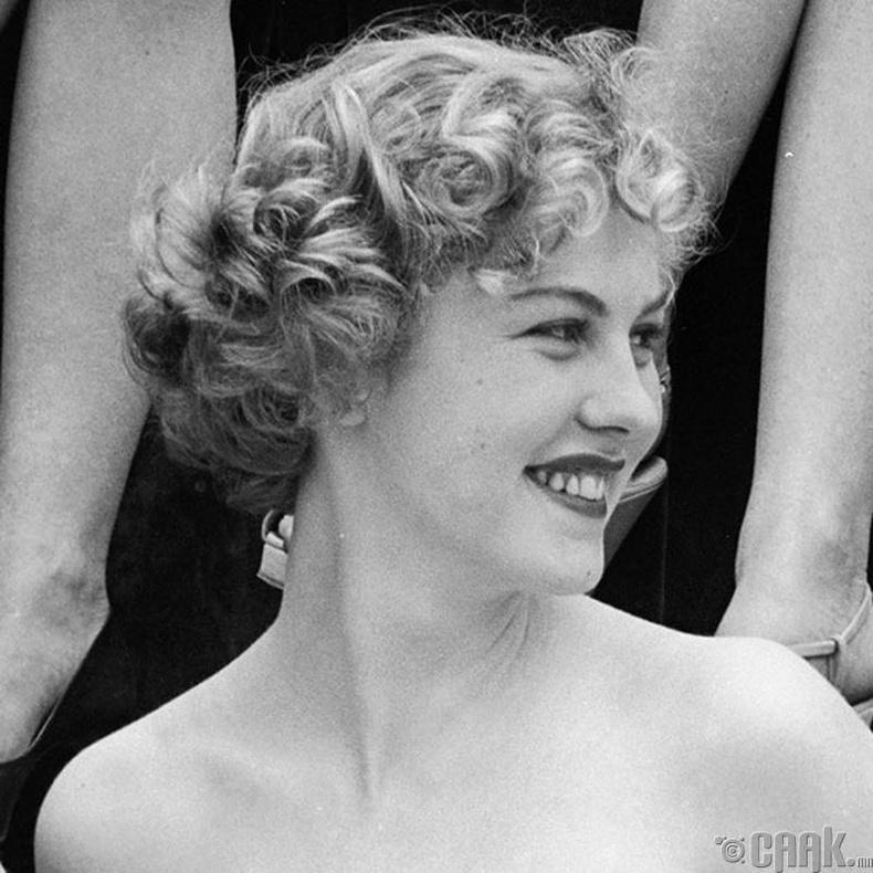"""Miss Universe-1952""-ын ялагч: Финляндын гоо бүсгүй  Арми Куусела, 18 настай, 165 см өндөр."