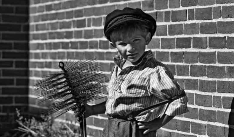 """19-р зуунд олон балчир хөвгүүдийн амийг авсан """"яндан хөөлөгч"""" мэргэжлийн түүх"""