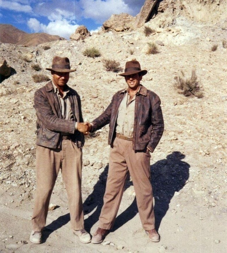 """Харрисон Форд өөрийн орлон тоглогч Вик Армстронгийн хамт, """"Индиана Жонс (1981)"""""""