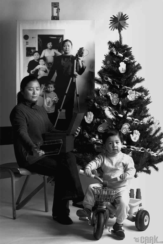 2004 он: Зул сарын баяр тэмдэглэж байгаа нь