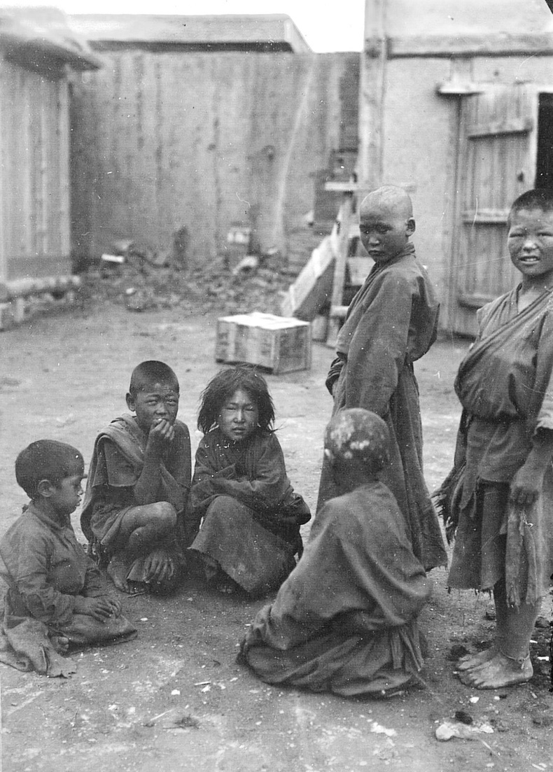 Хүрээний ядуу хүүхдүүд, банди нар - 1912 он