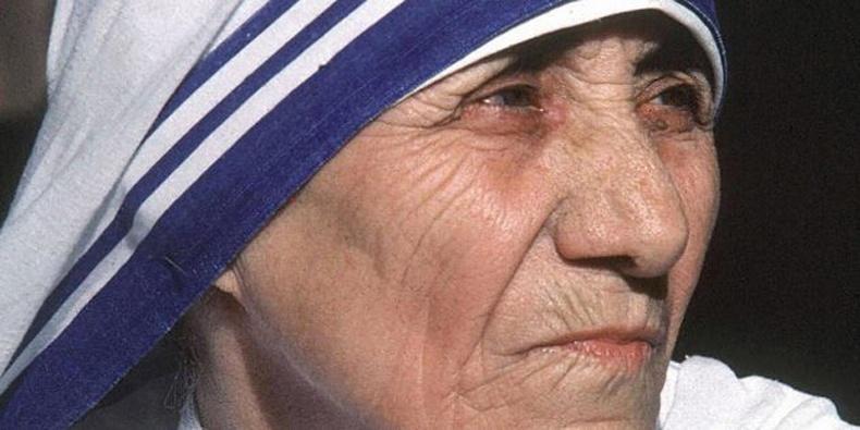 Тереза эх (Mother Teresa), нобелийн шагналтан, католикийн сүмийн гэгээнтэн