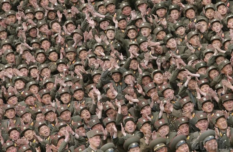 Ким Жон Сү нэхмэлийн үйлдвэрийн барилгын ажилд оролцсон цэргүүд, 2014 оны 5-р сарын 6