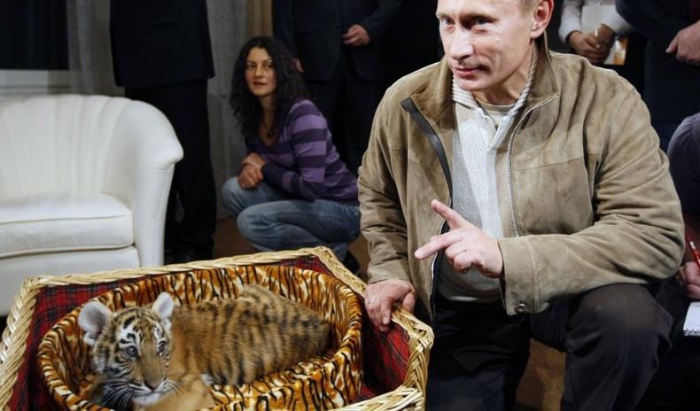 Дэлхийн удирдагчдын нэг нэгэндээ өгч байсан хачирхалтай бэлгүүд
