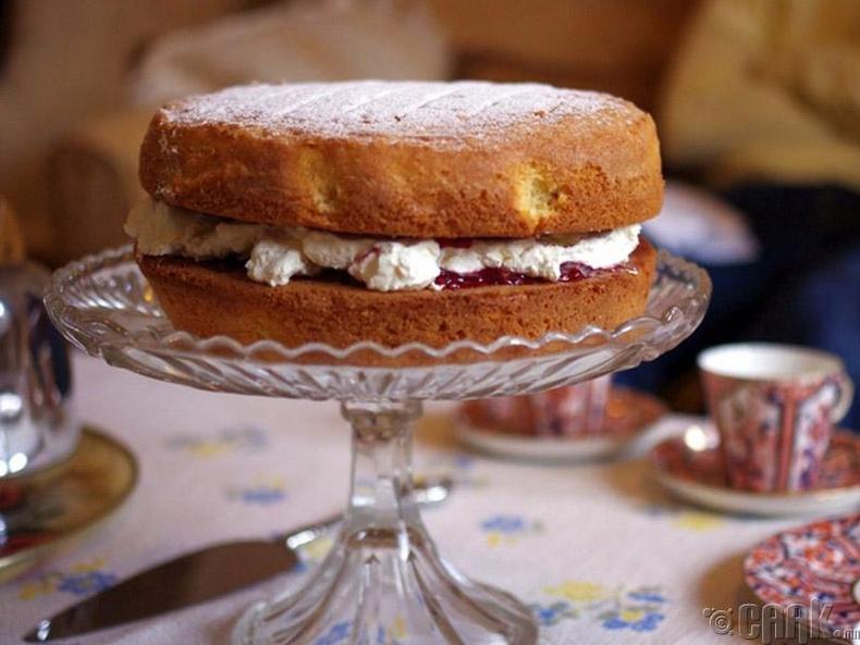 Бялууны гадрыг хэрхэн бор шаргал болгох вэ?
