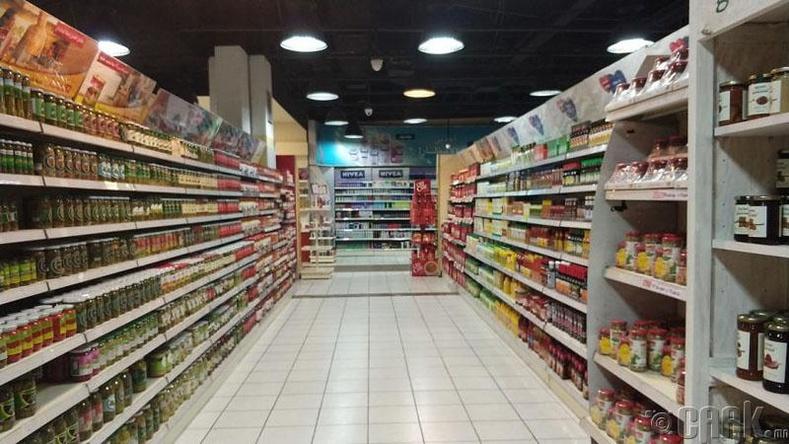 Хотын супермаркетууд дүүрэн бараатай байдаг