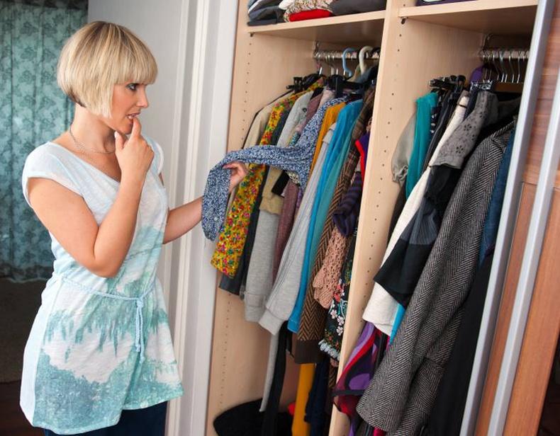 Шүүгээнээсээ гаргаж хаях ёстой 7 төрлийн хувцас