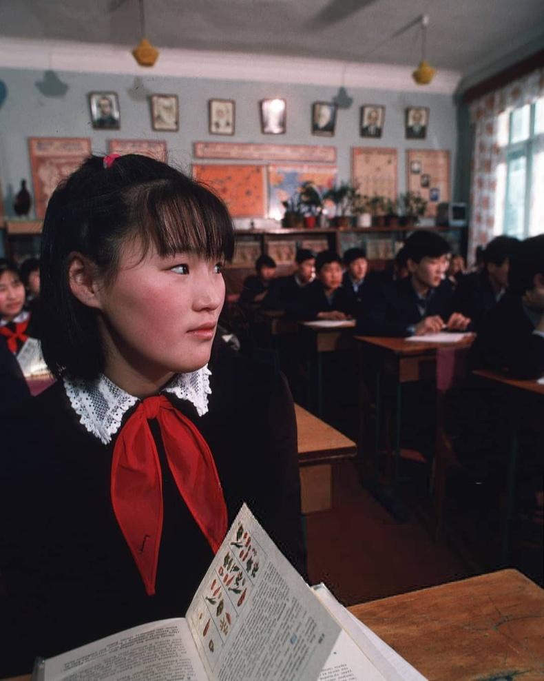 1-р сургуулийн сурагчид (1990 он)