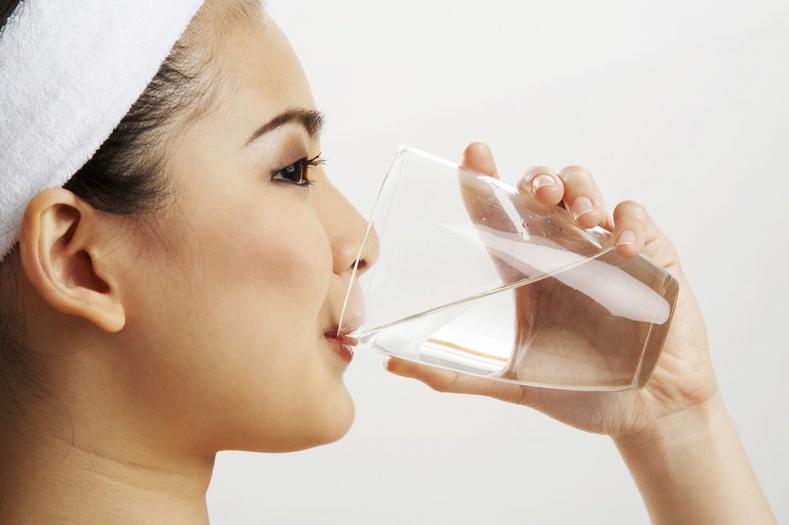 Өглөө нэг стакан ус ууснаар бидний биед ямар өөрчлөлт гарах вэ?