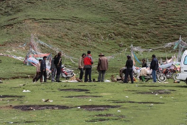 Төвдийн задгай оршуулах ёслол