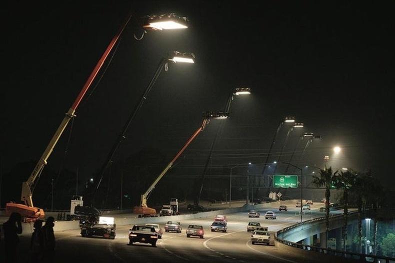 """""""Холливүдэд нэг удаа"""" киноны замын гэрэлтүүлэг"""