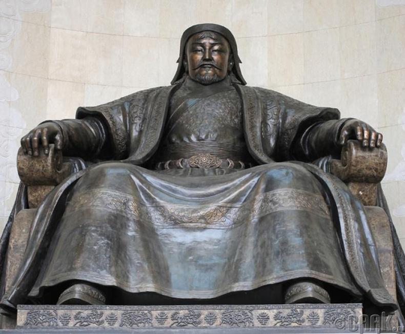Чингис хаан (1162-1227)