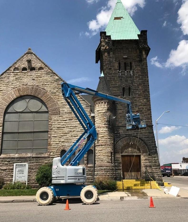 134 жилийн дараа сүмийг цэвэрлэсэн нь