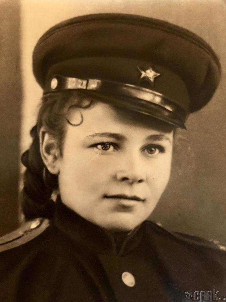 """""""Эмээ маань 2-р дайны үед"""""""