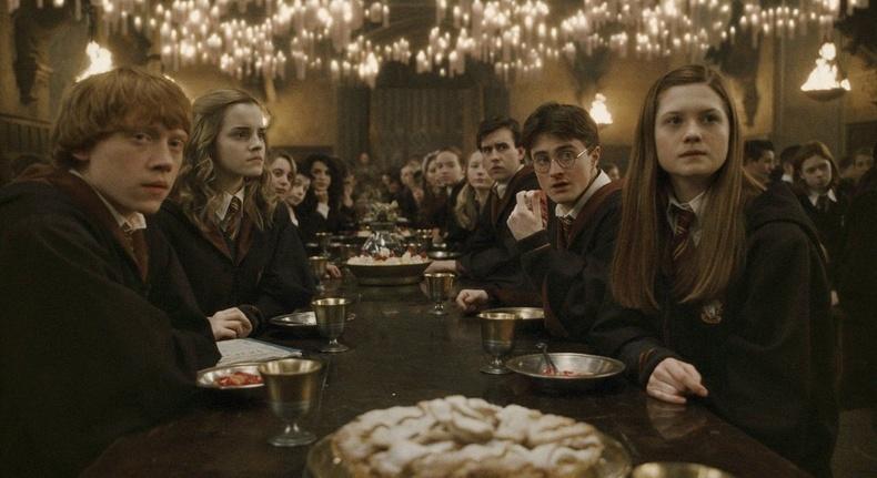 """""""Харри Поттер""""-ын нэг ангийнхан эргэн уулзсан нь"""