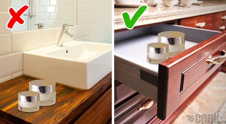 Угаалгын өрөөнд гоо сайхны бүтээгдэхүүн байлгах
