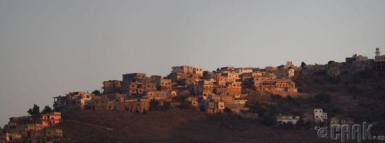 Уулын тосгон