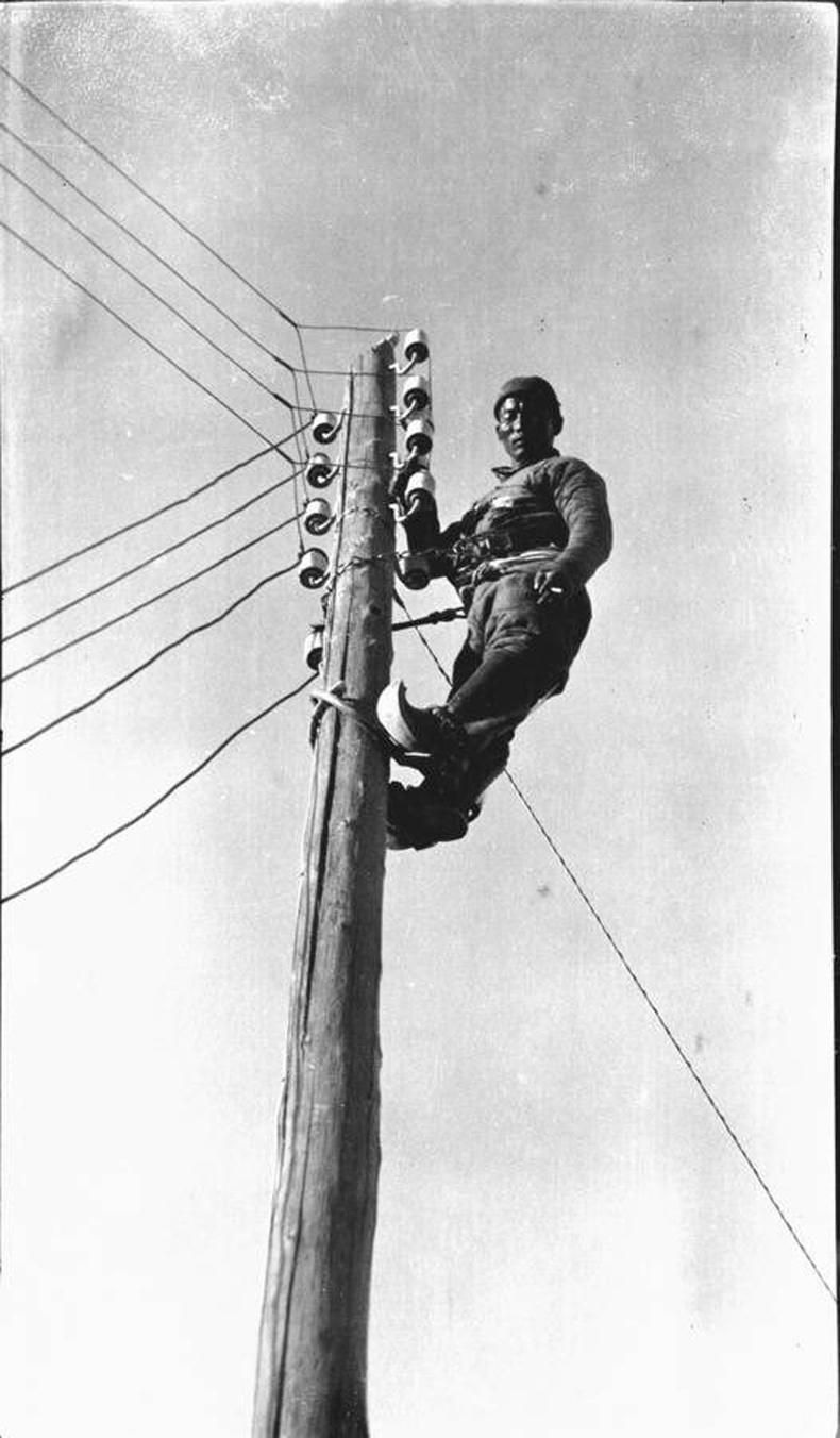 Цахилгааны монтёр эр, 1920-иод он