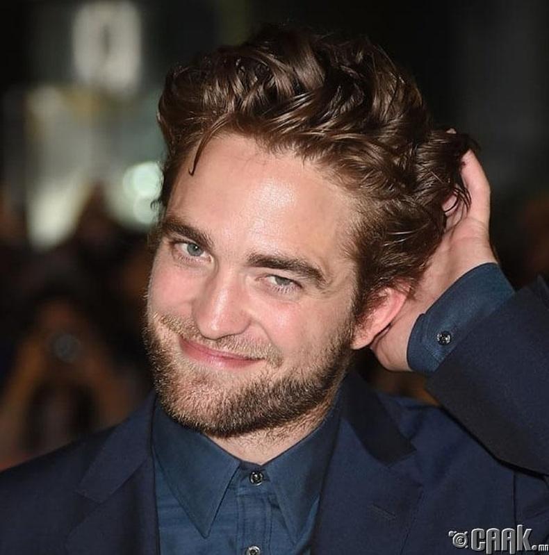 Роберт Паттинсон (Robert Pattinson): Үсээ оролдох