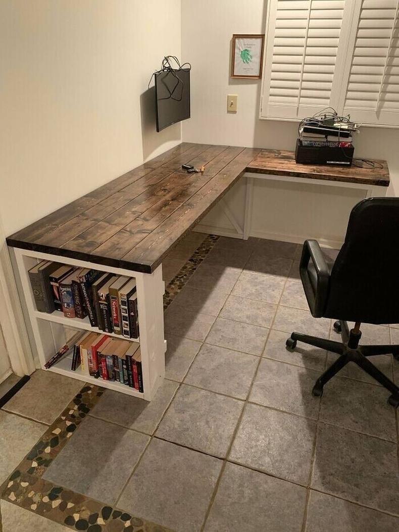 """""""Өөрийн гараар хийсэн ажлын ширээ"""""""