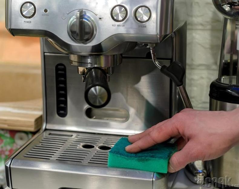 Кофены машиныг хэрхэн цэвэрлэх вэ?