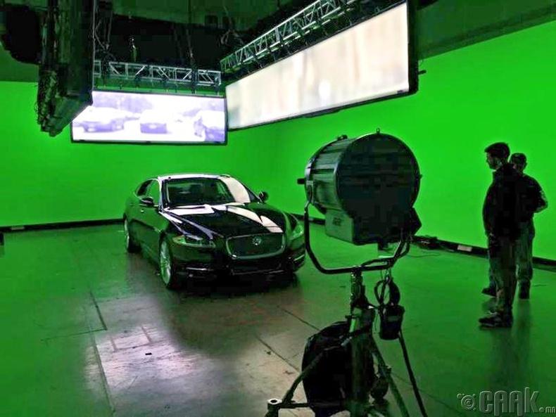 """""""House of Cards"""" киноны 3-р улирал дээр гардаг машинтай бүх хэсгийн зураг авалт энд явагджээ"""