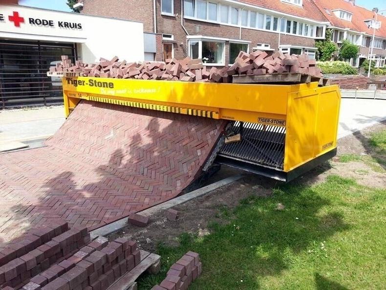Өдөрт 300 метр квадрат талбайг цардах хүчин чадалтай Tiger-Stone машин