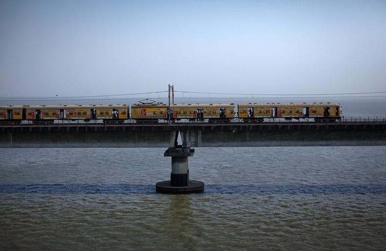 """Энэтхэгийн галт тэрэгнүүдэд зорчигчдийн тоо илүүддэгээдээ дэлхий даяар """"зартай"""""""