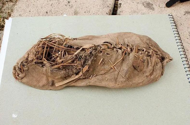 Хамгийн эртний гутал (5500 жилийн настай)