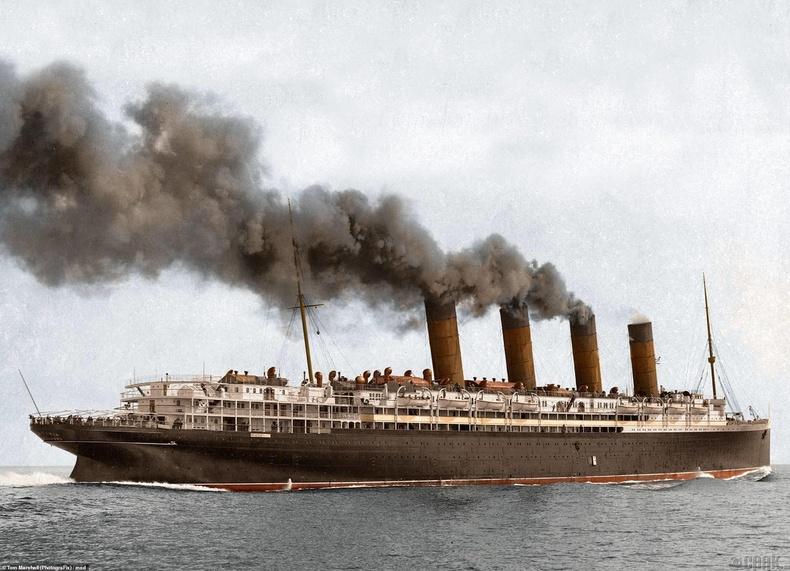 """1915 оны 5-р сарын 7-нд Британийн """"Люситан"""" хөлгийг Германы шумбагч сөнөөсөн юм"""