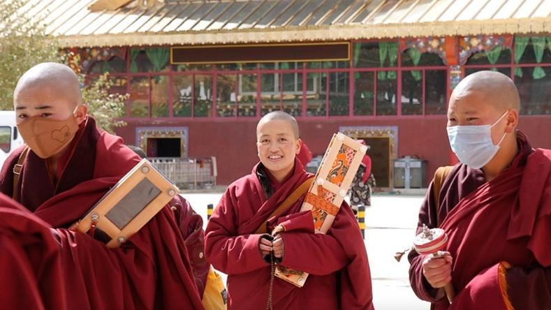 Төвдөд байдаг дэлхийн хамгийн том Буддын шашны сургуулийн амьдрал (25+ фото)