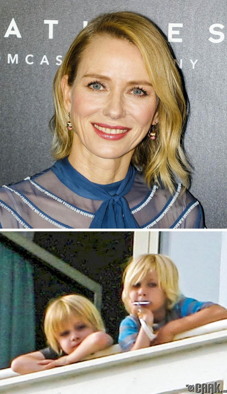 Наоми Уотс (Naomi Watts) хөвгүүдээ 39, 40 насандаа төрүүлжээ