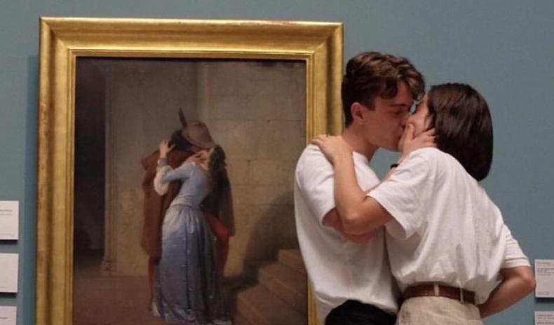 """""""Урлаг ба хайр"""" - Музейд болзож буй хосуудын жаргалтай мөч гэрэл зурагт... (30 фото)"""