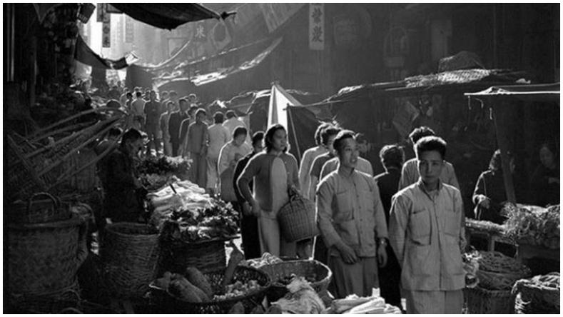"""""""1950-иад оны Хонконг"""" 13 настай хүүгийн дуранд"""