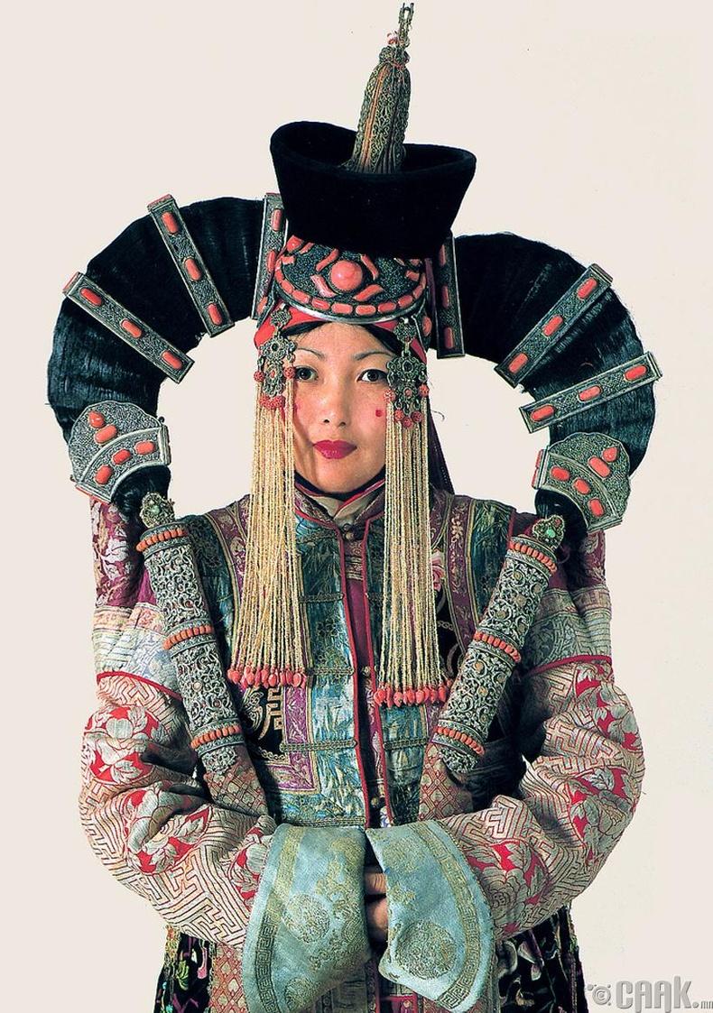Монгол эхнэрийн толгойн гоёл