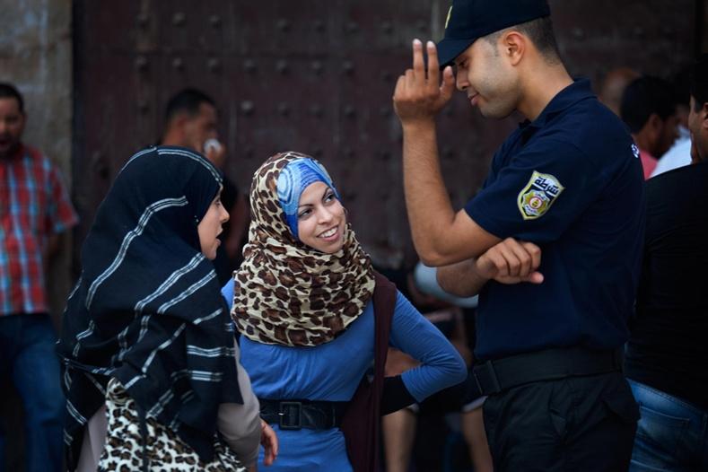 Араб эмэгтэйчүүдийн ер бусын амьдрал