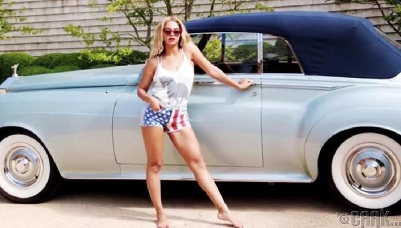 "Бейонси (Beyonce)-  ""Rolls Royce Silver Cloud II Convertible"""