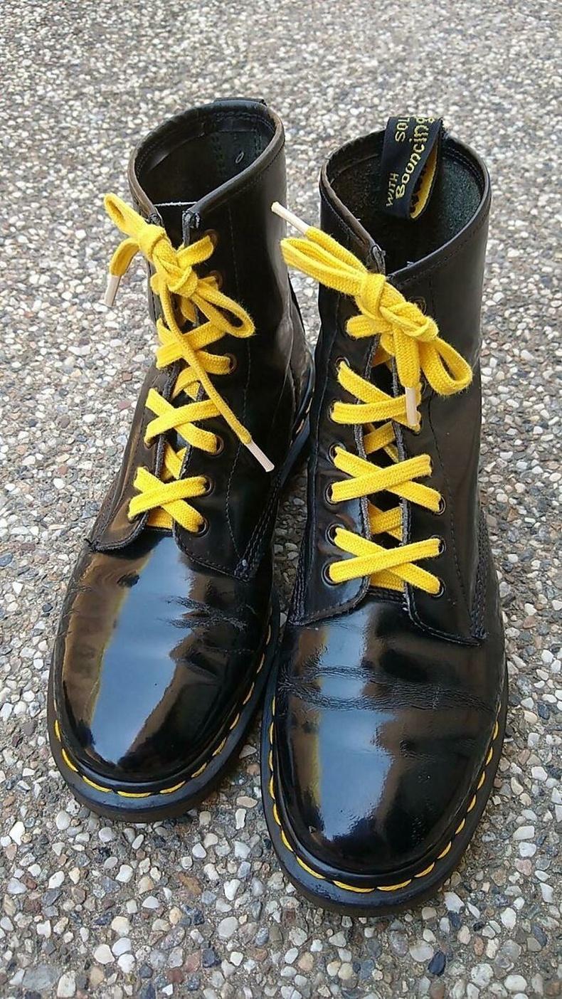 1992 онд худалдаж авсан Dr. Martens 1460 гутал