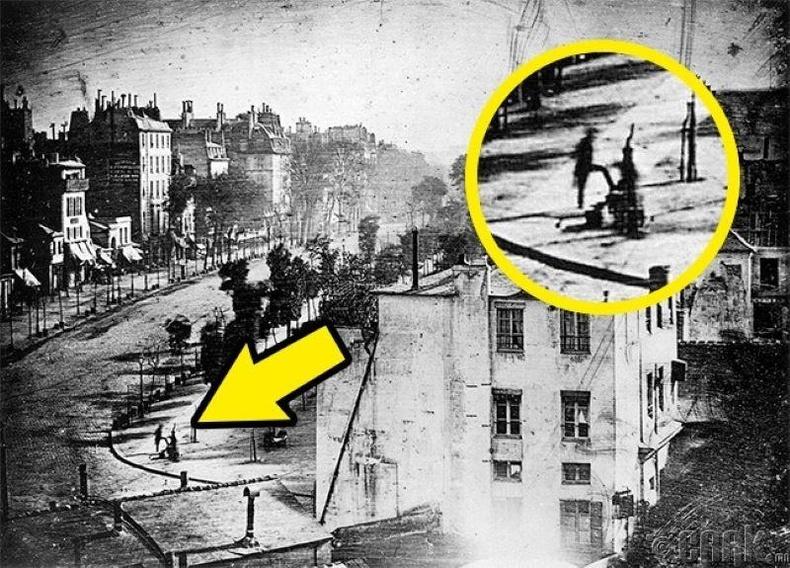 Хүн орсон анхны гэрэл зураг