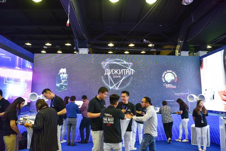 """Дижитал банкны үйлчилгээгээр тэргүүлэгч Голомт банк """"ICT Expo 2019"""" үзэсгэлэнд оролцож байна"""