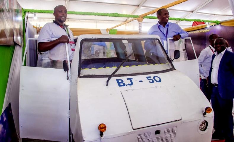 Кеничүүд өөрсдийн үйлдвэрлэсэн шинэ машинаа олон улсын зах зээлд гаргана